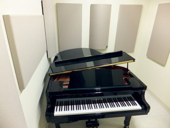 piano room acoustics