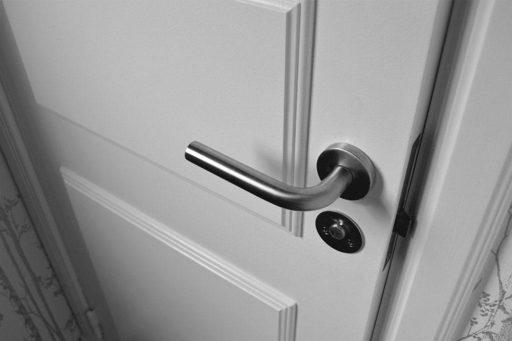soundproofing hollow doors