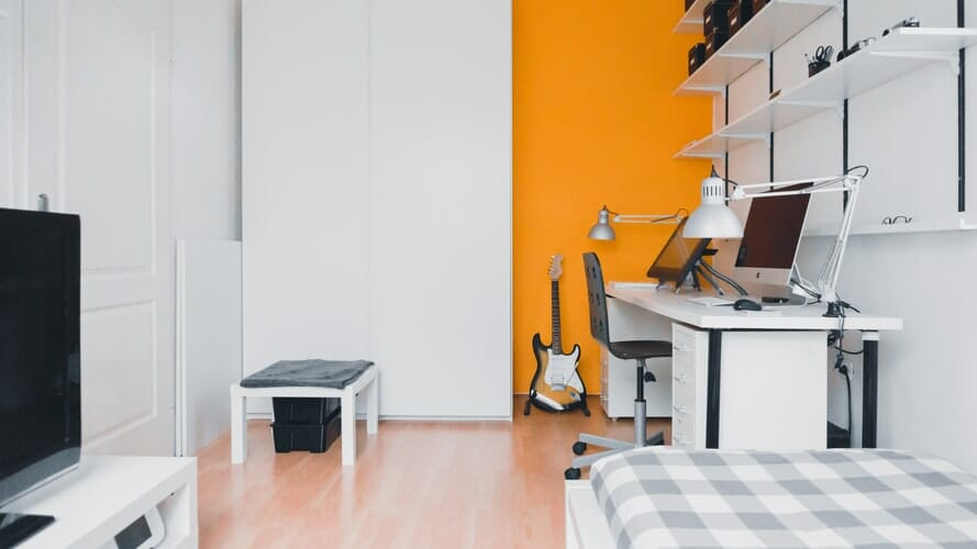 how to soundproof apartment floor